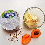 Deserturi vegane fără lactoză și gluten - înghețată și carrot cake bowl